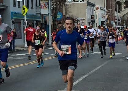 Travis Finetto runs Philadelphia Marathon