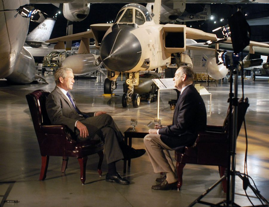 Television+host%2C+author%2C+syndicated+columnist+and+political+commentator+Bill+O%E2%80%99Reilly+filmed+his+show+%22The+O%E2%80%99Reilly+Factor%22+at+the+Air+Force+Museum+in+Dayton%2C+Ohio%2C+November+2010%2C+where+he+did+a+live+interview+with+former+President+George+W.+Bush.
