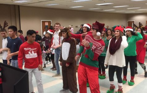 Student council brings holiday joy to Safe+Sound Somerset
