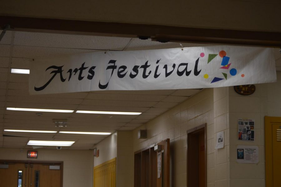 The+Winter+Arts+Festival+showcased+an+assortment+of+talented+art+works+from+first+semester+art+students.