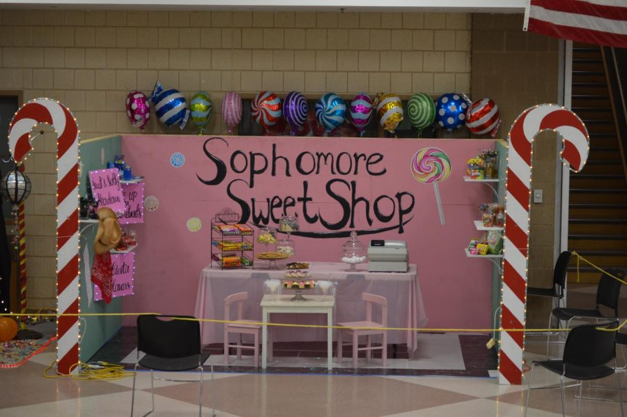 The sophomore commons display that placed 1st overall.