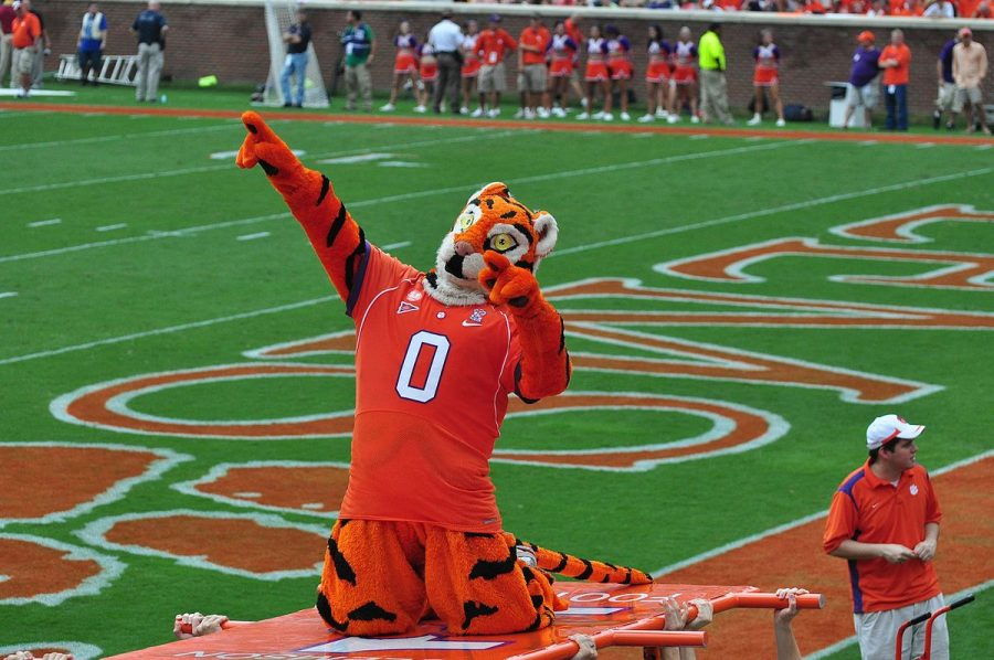 The+Clemson+Tiger+mascot+at+the+Clemson%2FBoston+College+game+on+September+19%2C+2009.
