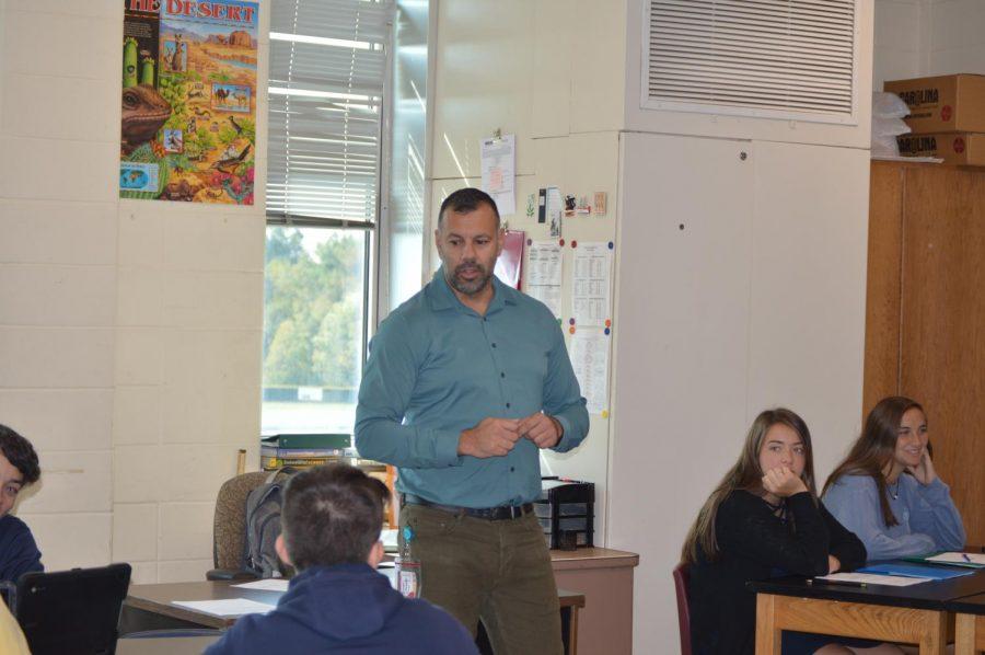 Hernandez teaches his class.