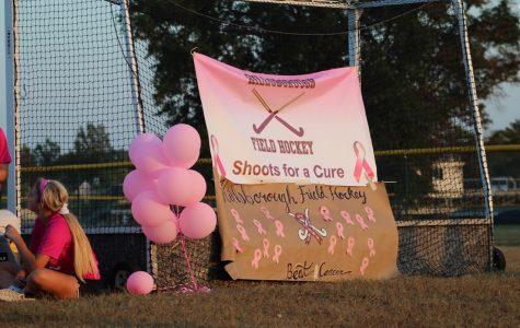 Field Hockey Team Raises Breast Cancer Awareness