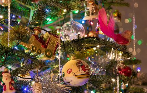 5 Ways to Get Into the Holiday Spirit