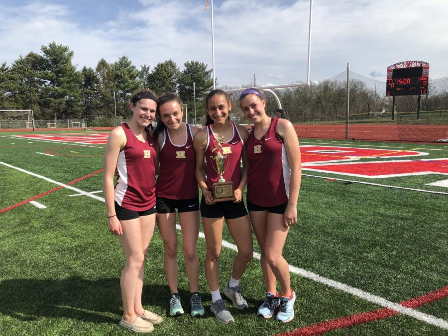 Members+of+the+2019+girls+track+team+after+the+Skyland+Conference+Relays.%0A