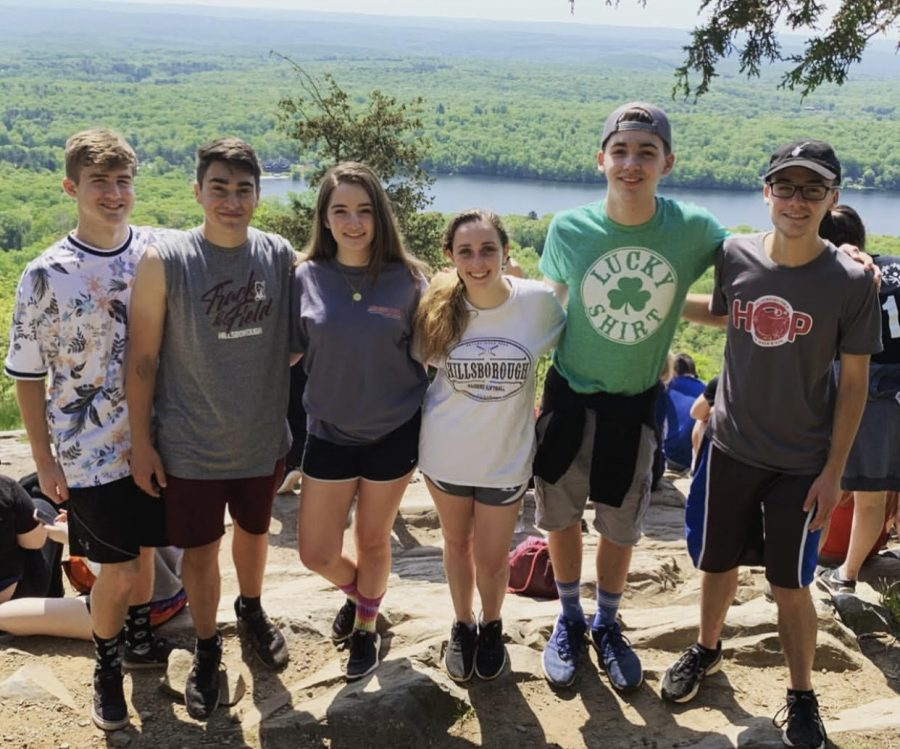 Seniors+Jack+Lowman%2C+Mark+Colavita%2C+Caitlyn+Kowalski%2C+Nora+Ferro%2C+Casey+Kiernan%2C+and+Sam+Renz+attending+the+Peer+Mentor+Retreat+2019.