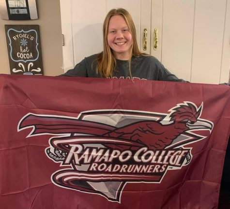 HHS Senior, Katie Rygiel, Officially Commits to Ramapo College of New Jersey