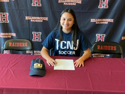Senior Ava Curtis commits to TCNJ class of 2025.