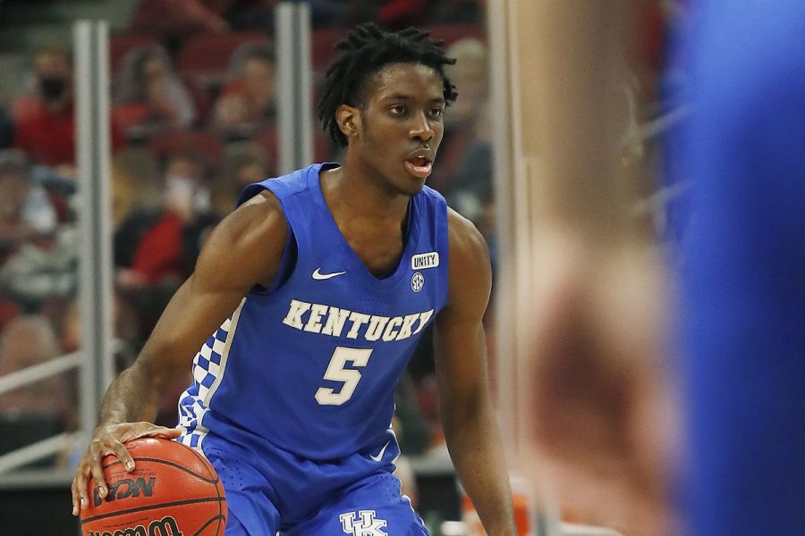 Kentucky Shooting Guard Terrance Clarke passed away Thursday after sustaining fatal injuries in a car accident in Los Angeles, California.